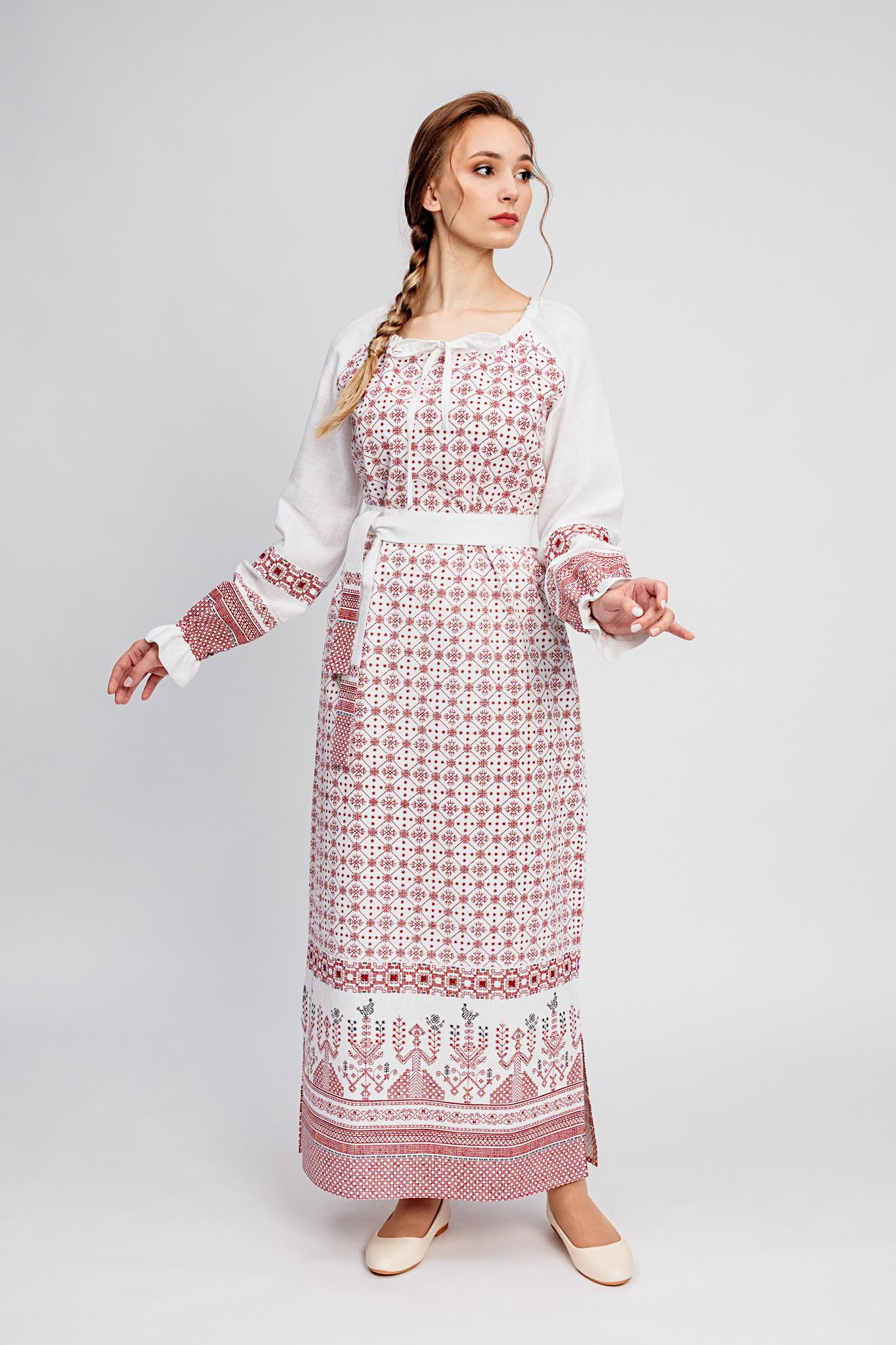 Платье со славянским орнаментом