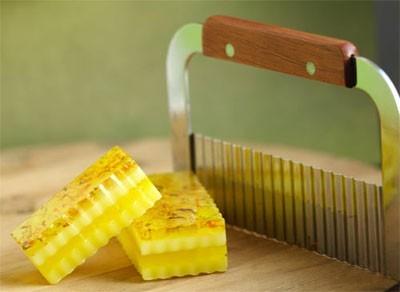 Нож-резак для мыла волнистый