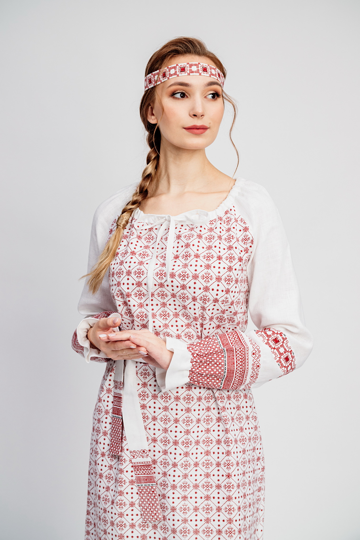 платье со славянскими узорами