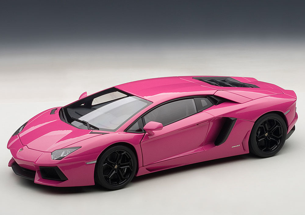 Коллекционная модель Lamborghini Aventador LP700-4 2011 Pink