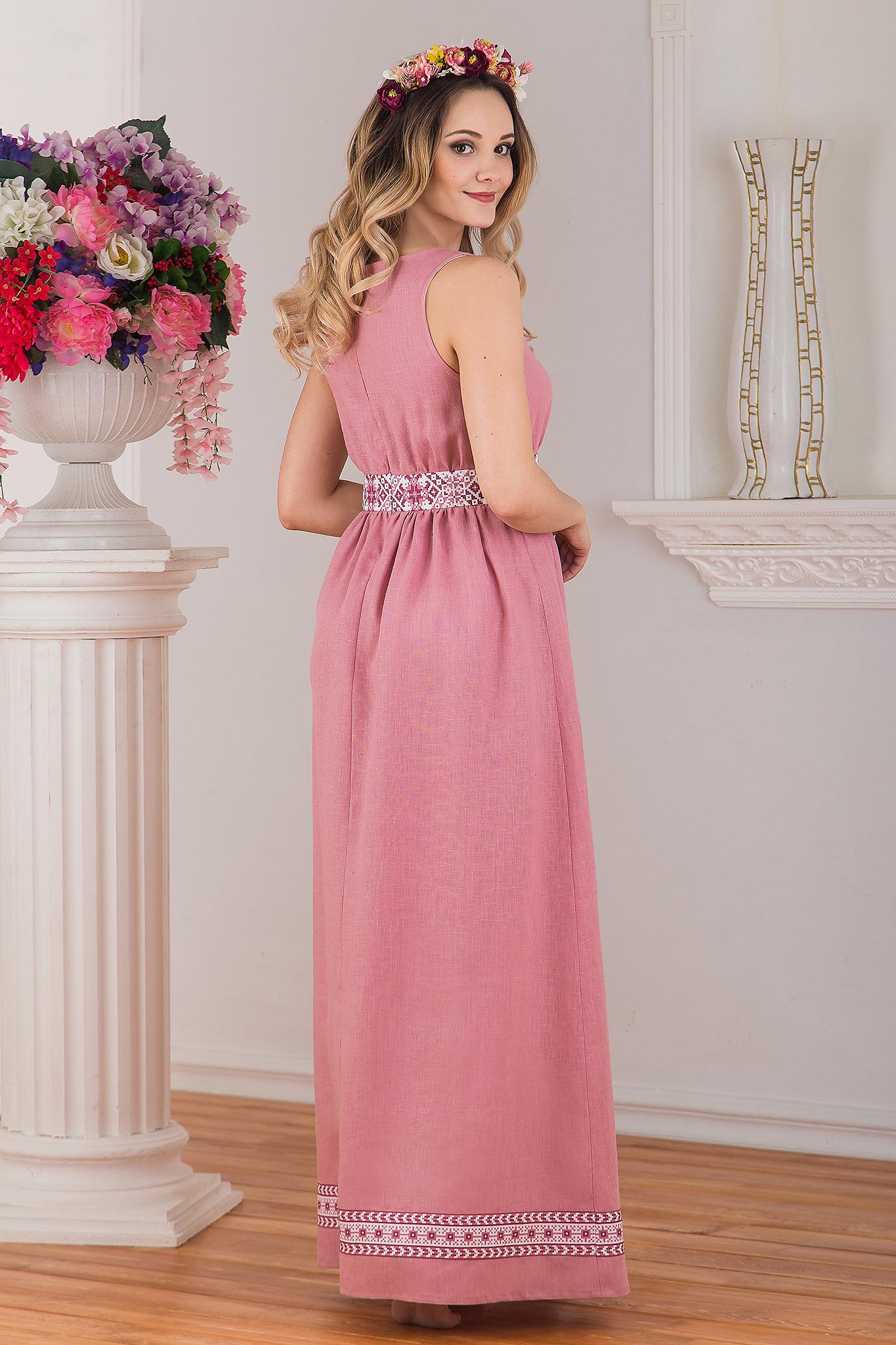Сарафан традиционный розовый льняной Алатырь от Иванка вид сзади