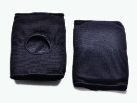 Защита колена. Размер S. М-л: полиэстр, пеноматериал. Цвет черный. :(QG0404) (1149)