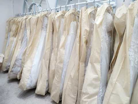 Чехол для свадебного платья объемный с расширением к низу прозрачный 80*170*25 см