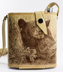 Фляга в кожаном чехле Медведь, 1 л, фото 1