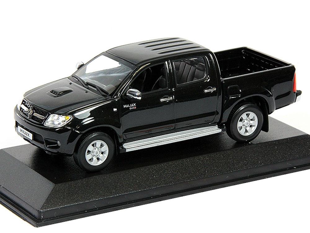 Коллекционная модель Toyota Hilux 2006