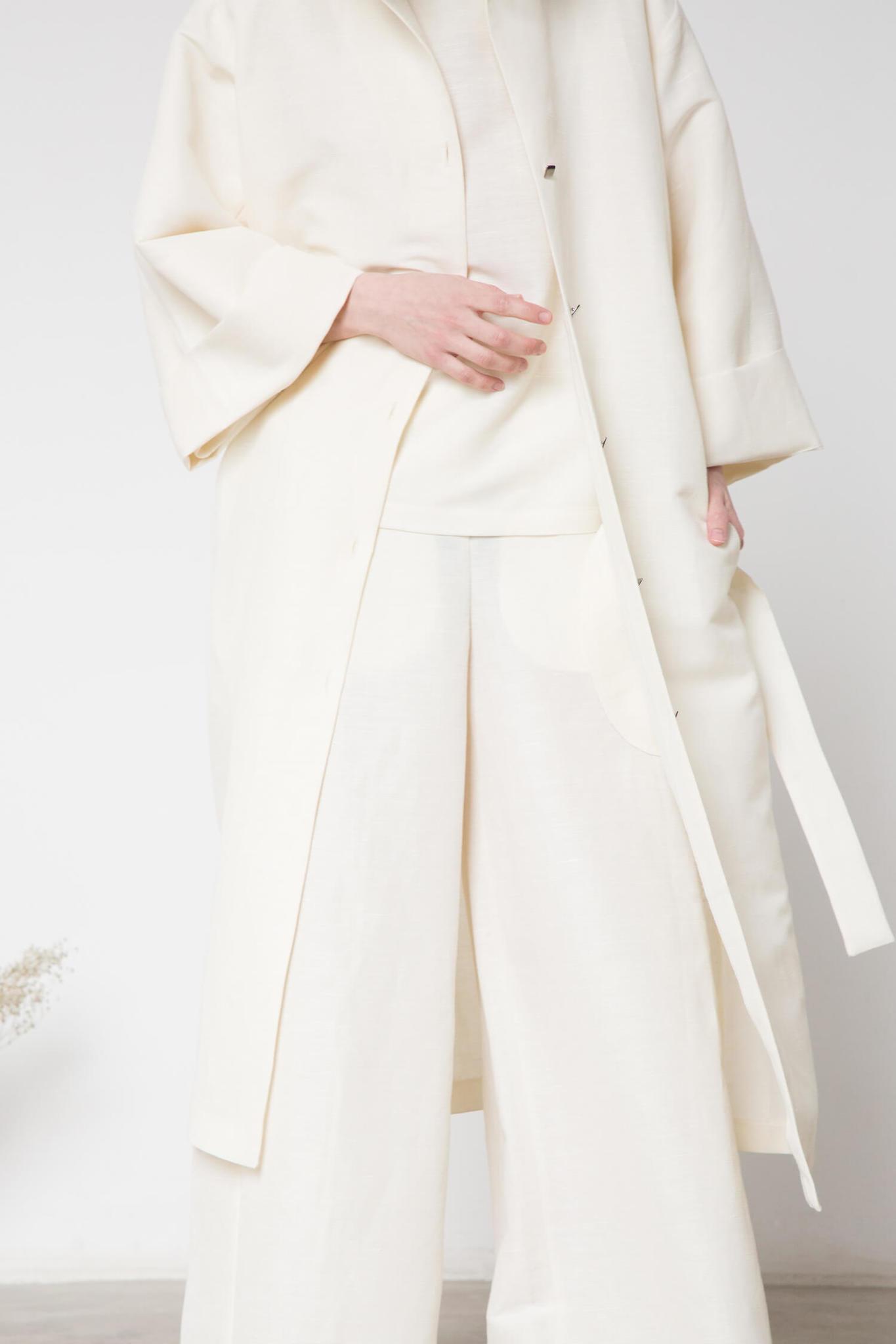 Платье-халат на поясе, цвет: молоко