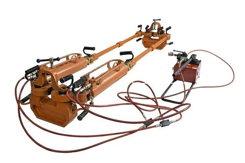 Натяжитель рельсовый Р700 с ручной насосной станцией Р700