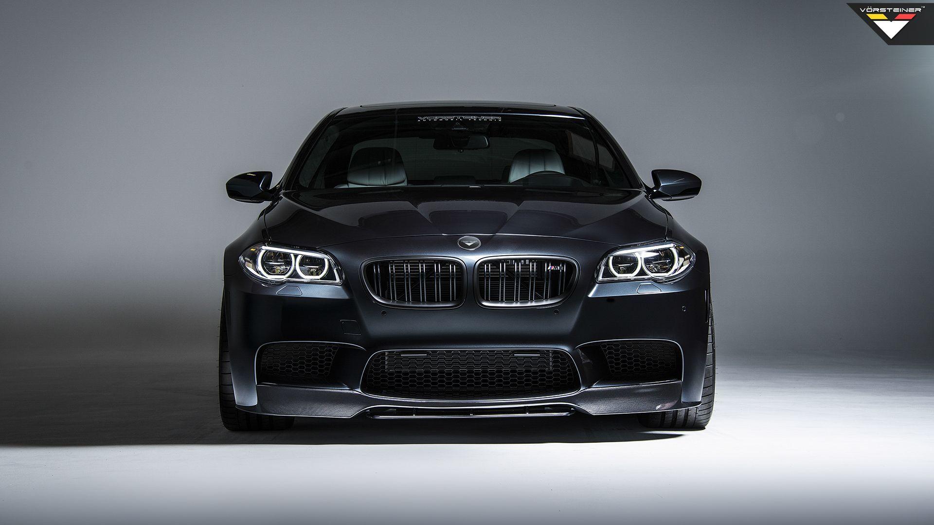 Карбоновый сплитер переднего бампера Vorsteiner Style для BMW M5