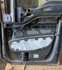 Обшивка двери на левую сторону (водительскую) на грузовые авто MAN TGX б.у  OEM MAN - 81626306109