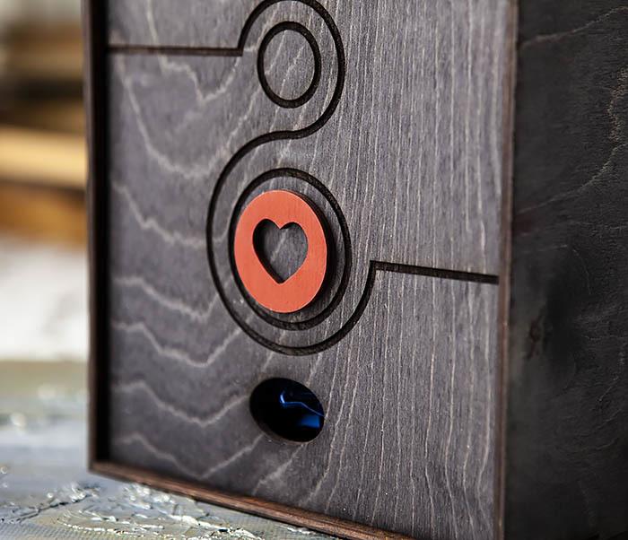 BOX222-1 Черная подарочная коробка к 8 марта (17*17*7 см) фото 02