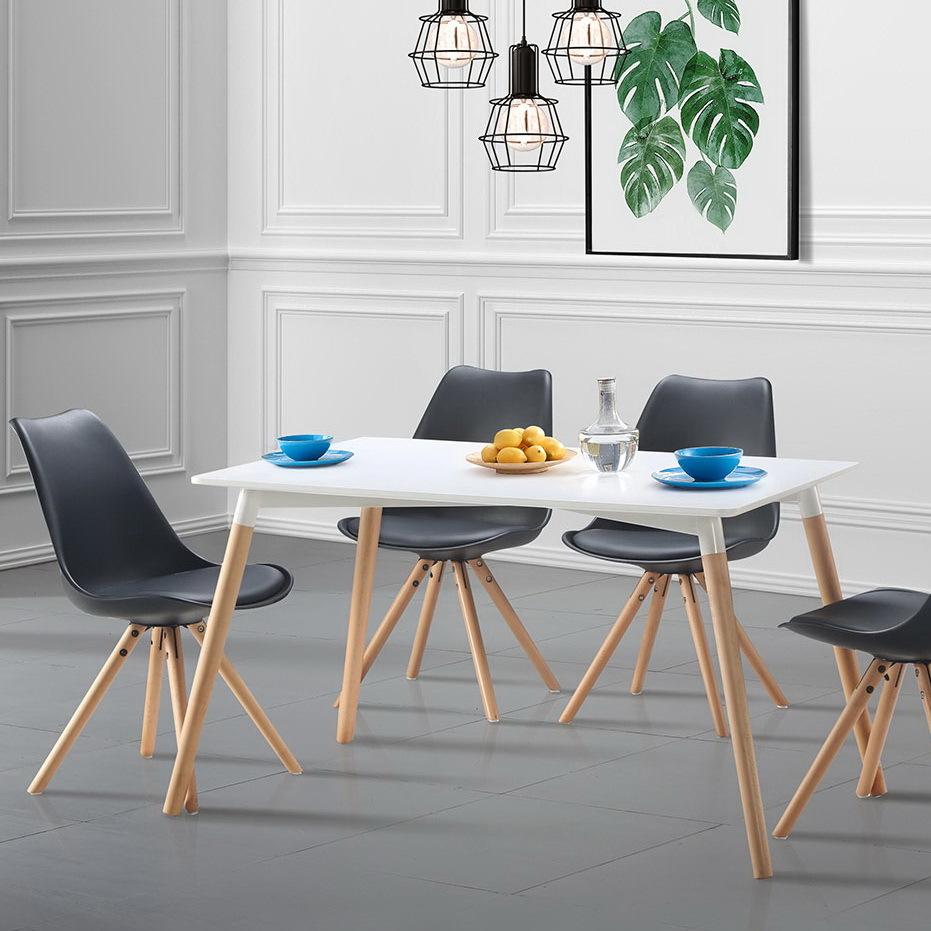 Стол ESF DT-900 и  стулья ESF PW072Y черные