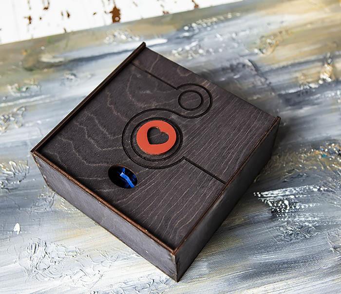 BOX222-1 Черная подарочная коробка к 8 марта (17*17*7 см) фото 03