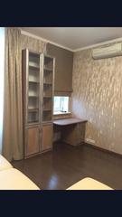 Письменный стол и шкаф для документов