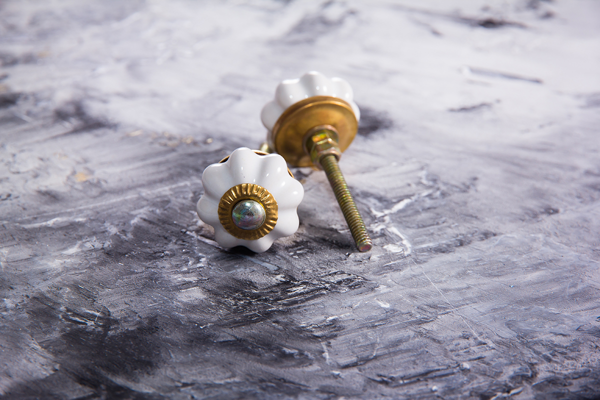 Ручка мебельная керамическая белая крошка, арт. 00001069