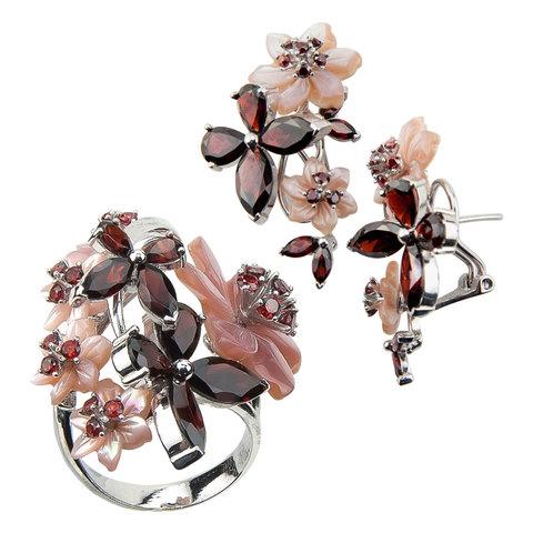 Комплект украшений с цветами из перламутра и гранатом № 140