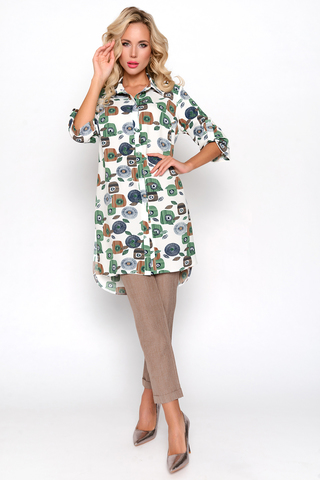 """<p>Очень утонченно и женственно выглядит костюм """"Римские каникулы"""", состоящий из удобных брюк на резинке, с карманами; и удлиненной туники из креп-шифона.</p>"""
