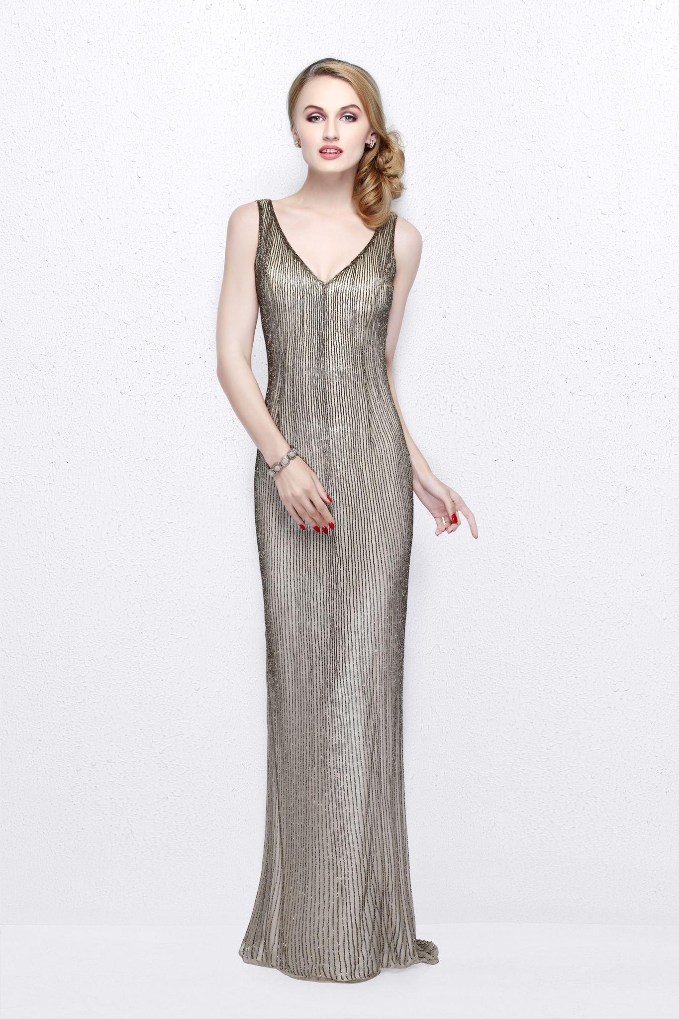 Mia 19509 платье в пол в в золотом цвете расшитое стразами по всей длине с красивым вырезом на спине