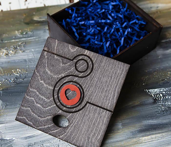 BOX222-1 Черная подарочная коробка к 8 марта (17*17*7 см) фото 05