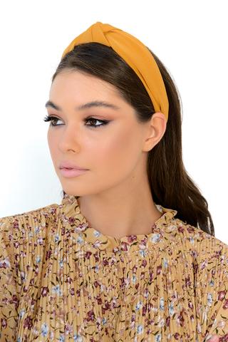 <p><span>Классический ободок- стильный аксессуар, который поможет сохранить прическу и дополнить образ. Хорошо подходит для одежды повседневного стиля, а так же праздничных нарядов. Широкий и объемный, ободок мягко облегает голову, не давит за ушами, подходит для любого возраста.&nbsp;</span></p>