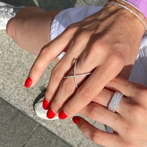 Кольцо X-образное с цирконами (серебристый)