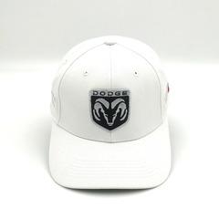 Кепка с вышитым логотипом Додж (Бейсболка  Dodge) белая