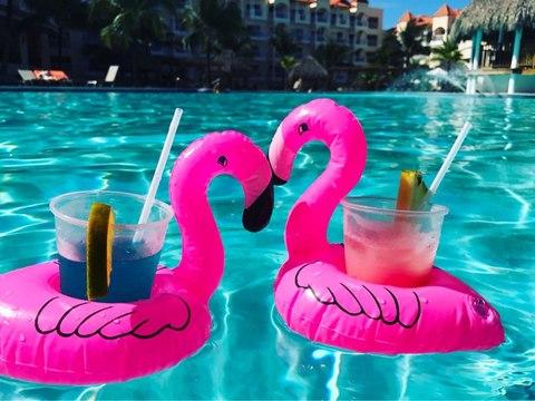 Надувные подставки под напитки Фламинго