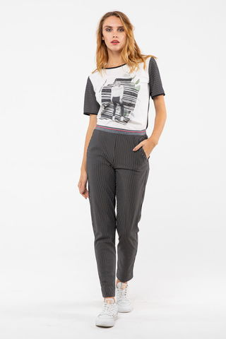 Фото укороченные черные брюки на поясе в тонкую белую полоску - Брюки А507а-475 (1)