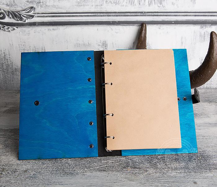 BC126-3 Яркий деревянный блокнот синего цвета  на кольцах фото 06