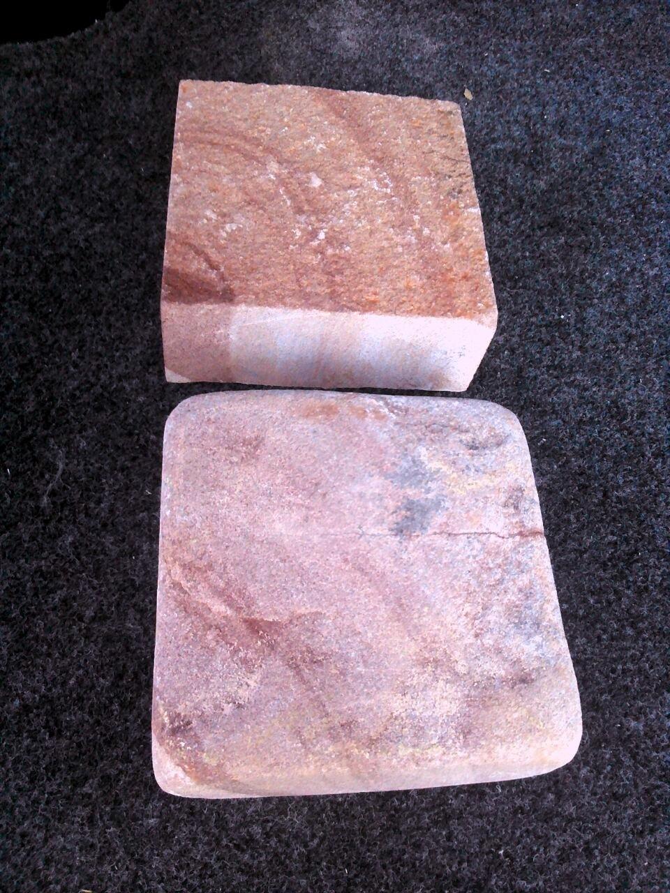 Брусчатка песчаник пилено-галтованный Красный Венге, образец