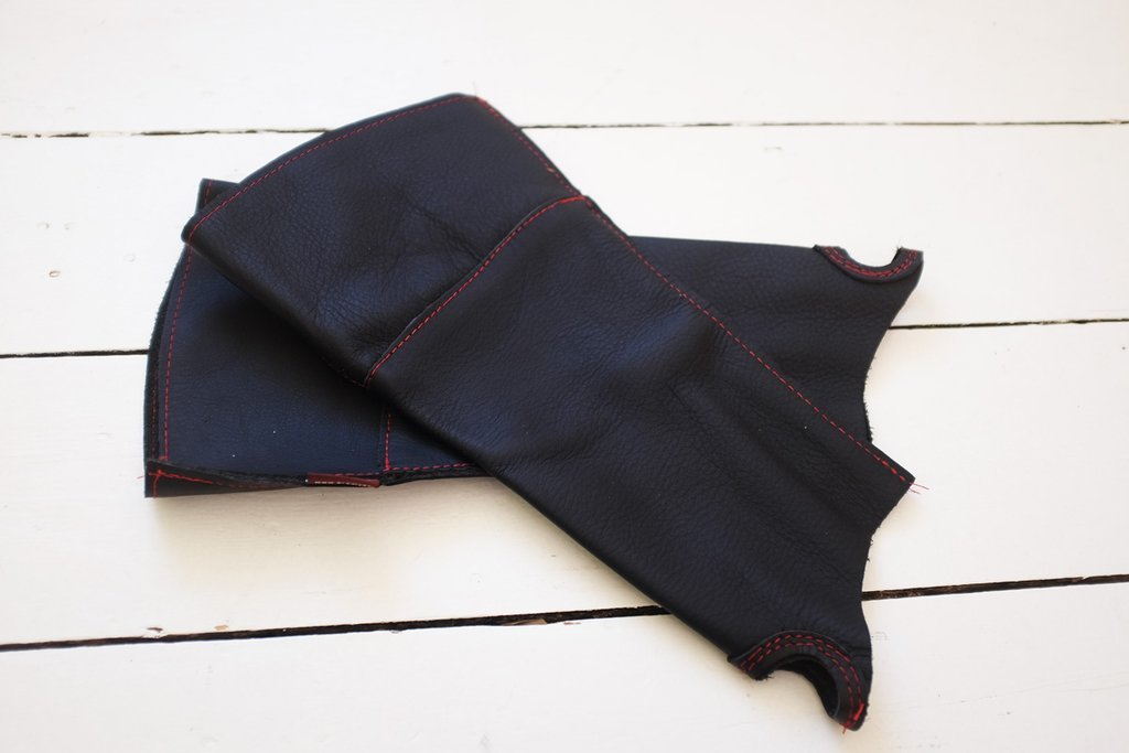 Нарукавники кожаные для защиты от шипов Bradleys