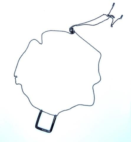 3414BZ- Колье из серебра в черном родии с геометрической подвеской в стиле APM MONACO