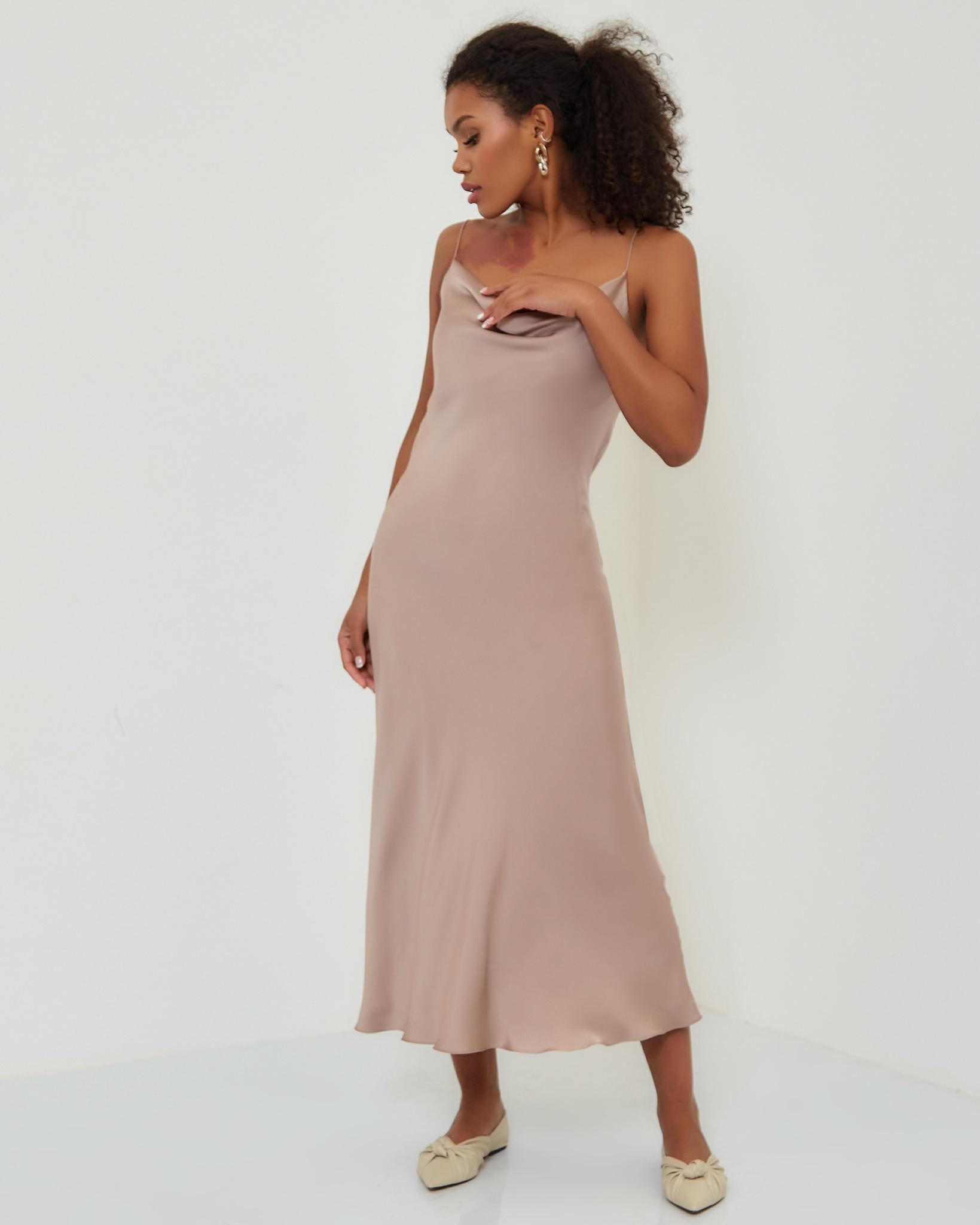 Платье-комбинация в цвете латте