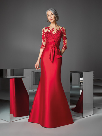 Вечернее платье классическое в вишнево-красном цвете