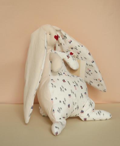 Зайчик бежевый , белая ткань с домиками