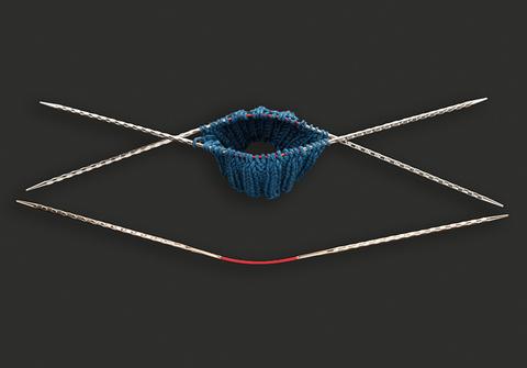 Спицы металлические круговые супергладкие c квадратным кончиком addiCrasyTrioNovel Long №2,5 , 30 см