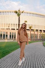 Спортивный костюм-тройка коричневый купить