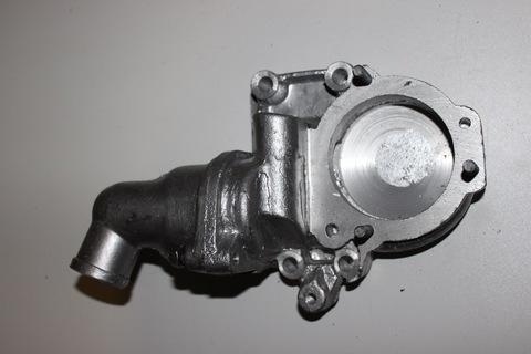 Корпус термостата корпус помпы УАЗ 469 452 417 двигатель