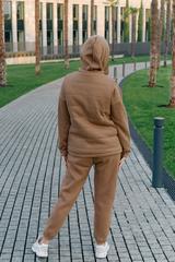 Спортивный костюм-тройка коричневый недорого