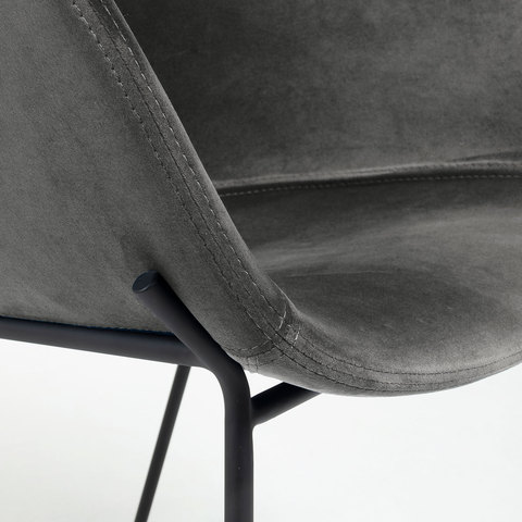 Кресло Zadine из серого бархата