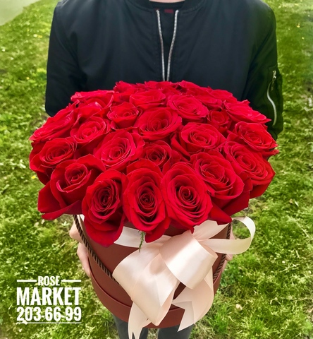 31 роза в шляпной коробке #17841