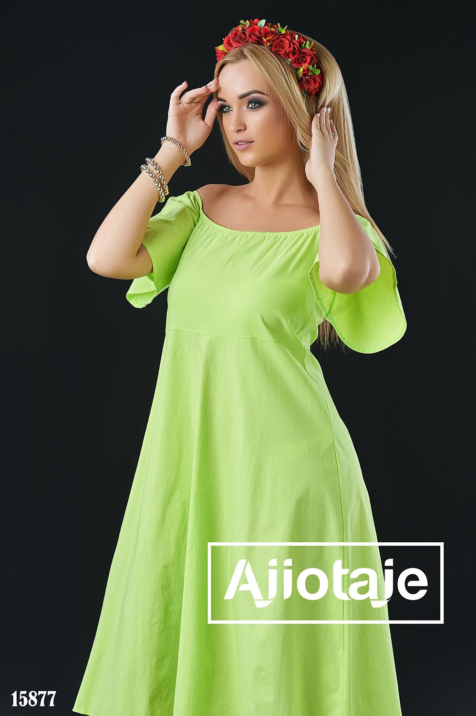 Платье с открытыми плечиками салатового цвета