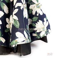 Зонт наоборот белые цветки на синем полуавтомат (закрытие)