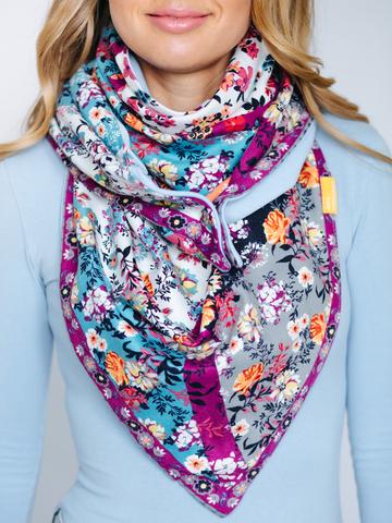 Косынка полушерстяная с хлопком цветочная голубая с серым и фиолетовым