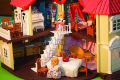 Домик Happy family 012-01 с кроватками и мебелью для кухни