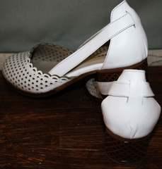 Модные туфли на низком каблуке Evromoda 101-6 White.