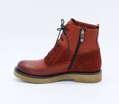 Красные кожаные ботинки на низком каблуке