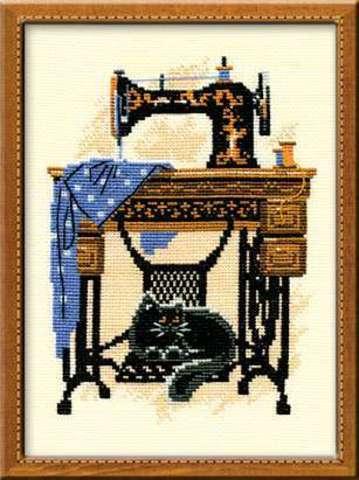 Набор для вышивания крестом «Швейная машинка» (857)