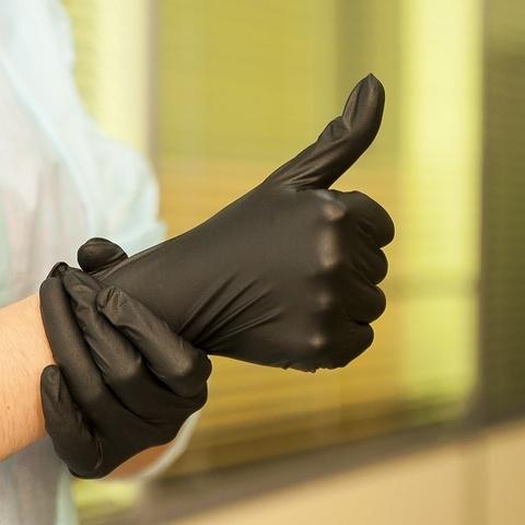 Чёрные нитриловые перчатки
