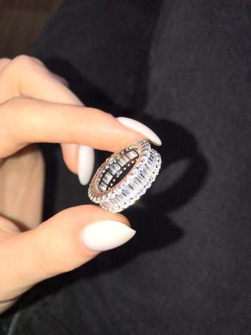 91677- Широкое кольцо-дорожка из серебра с цирконами