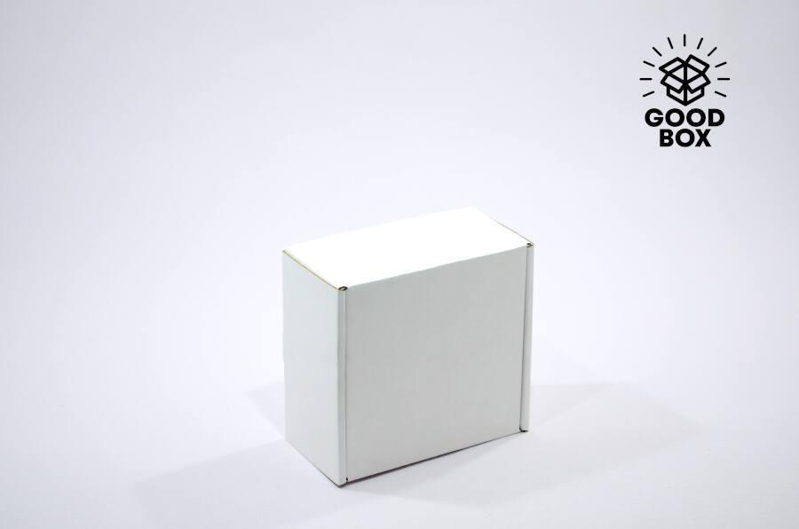 Коробка 150*150*80 белая микрогофрокартон
